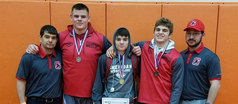 State wrestling qualifiers from Districts.